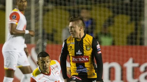 The Strongest derrotó 2-0 al colombiano Santa Fe en la Libertadores