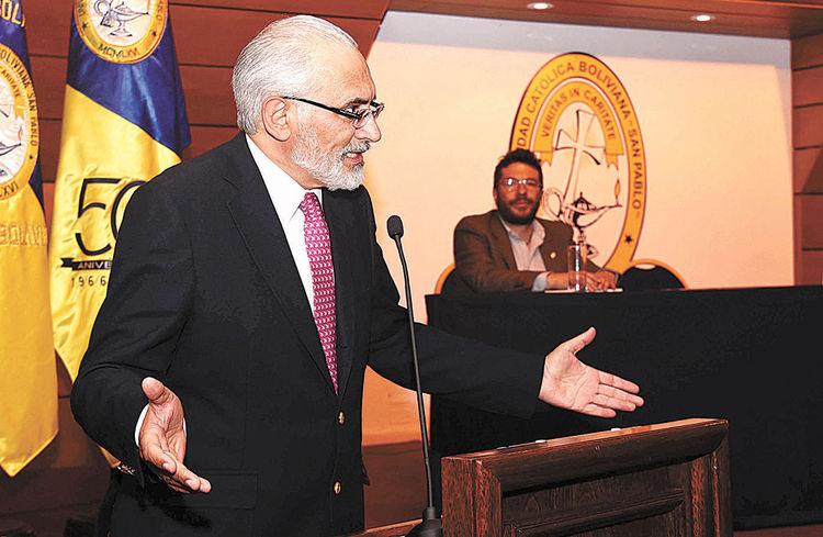 Carlos Mesa durante la presentación de su libro. Foto: Wara Vargas