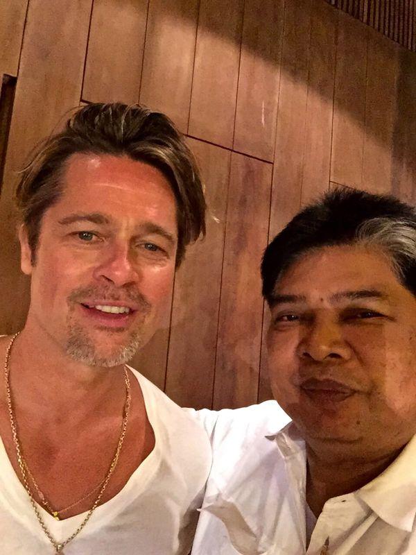 La visita de Angelina Jolie fue con su por entonces marido Brad Pitt. Seis meses después pondría fin de forma abrupta a su matrimonio. Los tatuajes de Kanpei no sirvieron (Grosby Group)