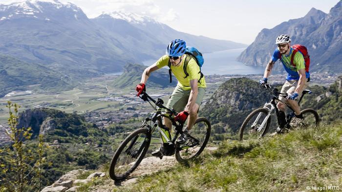 200 Jahre Fahrrad Mountainbike Elektroantrieb (Imago/MITO)