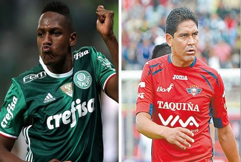 Miguel Borja (izq.) de Palmeiras y Edward Zenteno de Wilstermann.