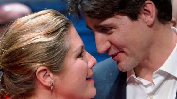 Trudeau y Sophie se mostraron muy cálidos durante la función (AP)