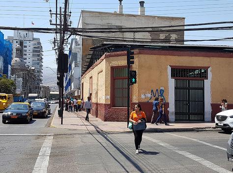 El domicilio en Antofagasta donde fueron puestas las banderas de Bolivia. Foto: SoyAntofagasta.cl