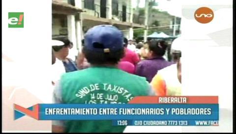 Riberalta: Enfrentamiento entre pobladores y funcionarios de la Alcaldía