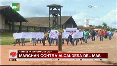 Concepción: Comunarios marcharon contra la alcaldesa interina del MAS