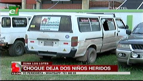 Accidente de mototaxista con un minibús deja dos menores heridos
