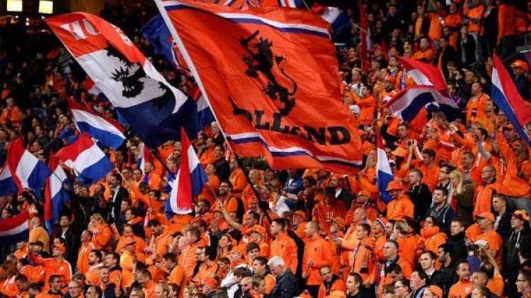 La Federación de fútbol de Holanda instó a los demás para que declaren