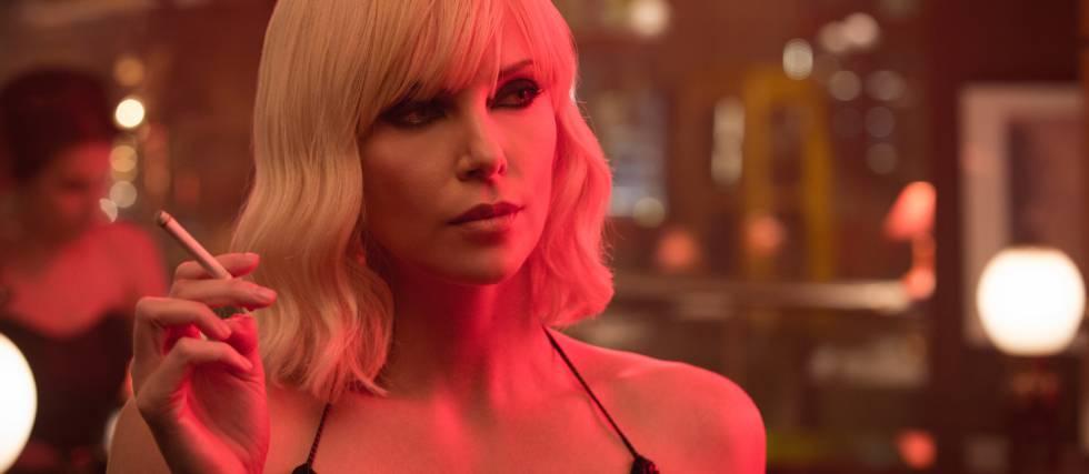 Charlize Theron, en su papel como la espía Lorraine Broughton en