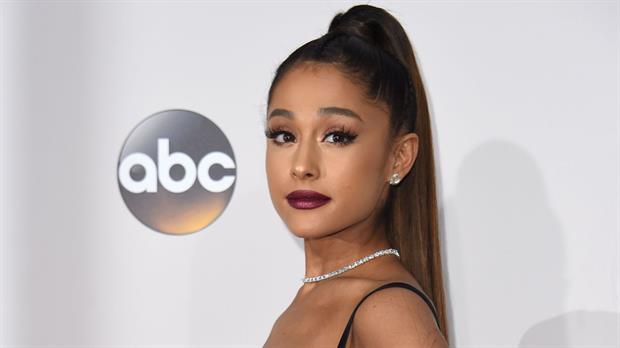 La cantante se disculpó a través de las redes sociales, tras el atentado que ocurrió apenas finalizado su show en Manchester