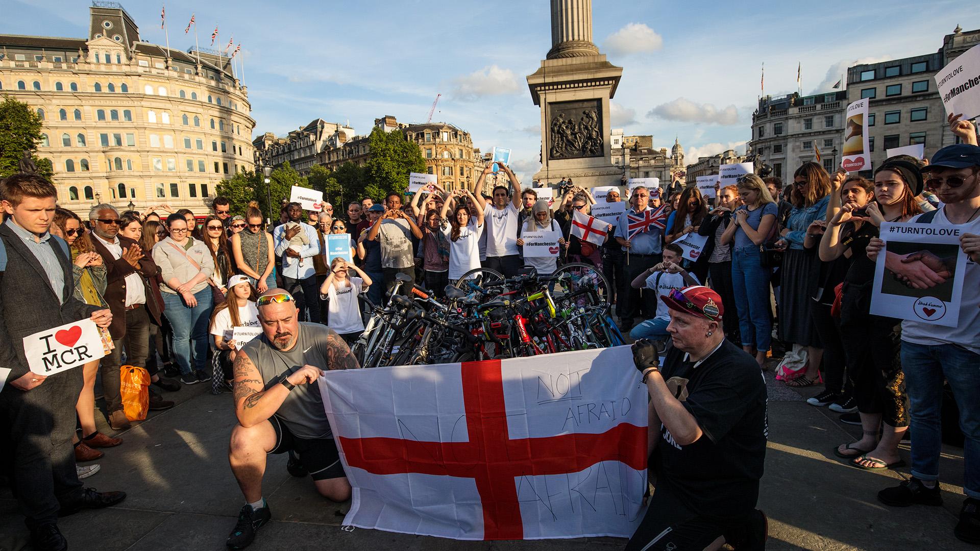 Miles de personas se congregaron en el centro de Manchester(Getty Images)