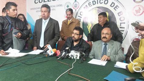 Conferencia de prensa del sector salud