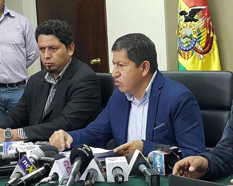 El ministro de Hidrocarburos y Energía, Luis Alberto Sánchez, en conferencia de prensa. Foto: La Razón