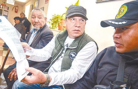 El exdirector del Fondioc, Marco Antonio Aramayo (c), antes de una audiencia en La Paz