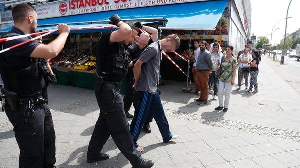 La policía arrestó a un sospechoso, que podría ser el dueño del auto (AFP)