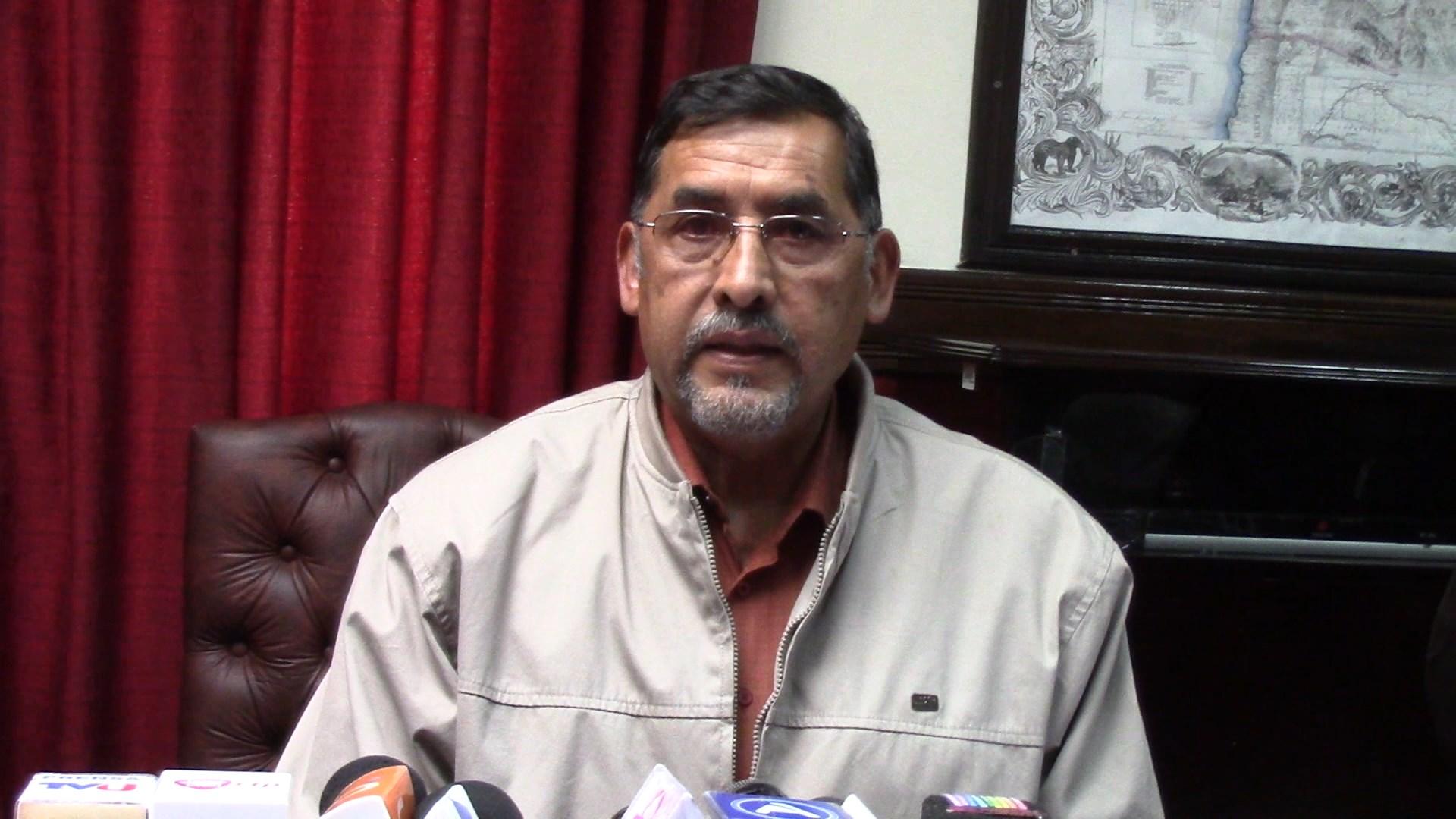 Resultado de imagen de El ministro de Trabajo, Héctor Hinojosa