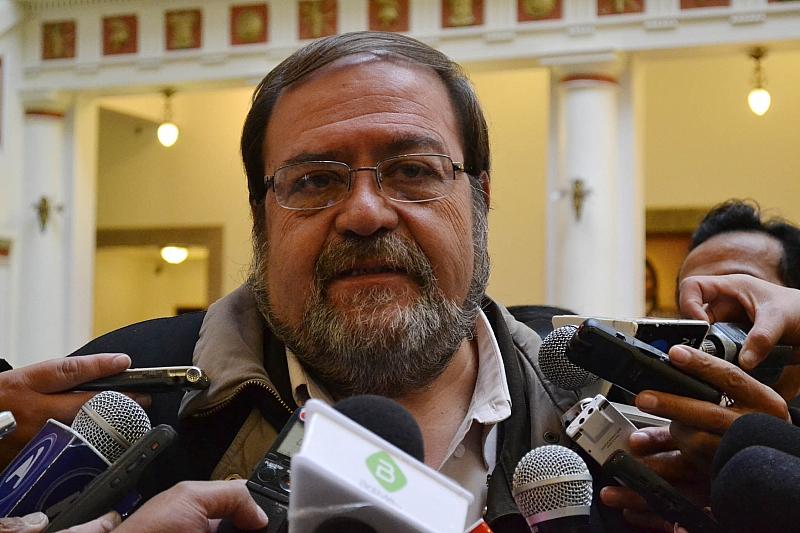 Resultado de imagen de El ministro de Educación, Roberto Aguilar