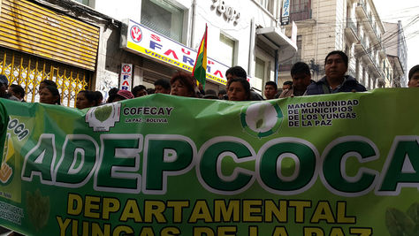 Marcha de Adepcoca ingresa al centro de La Paz. Foto: La Razón