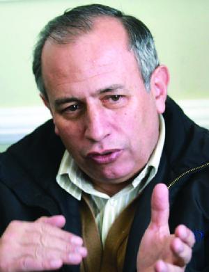 Costas: Se necesita otro referendo para habilitar a Evo