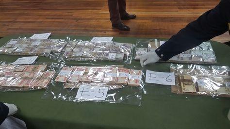 El dinero secuestrado por los efectivos de la Policía en el caso del Hospital del Niño.