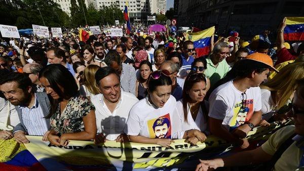 Los manifestantes, algunos procedentes de otras ciudades españolas como Sevilla, Murcia o Alicante, se congregaron en la plaza de Callao (AFP)