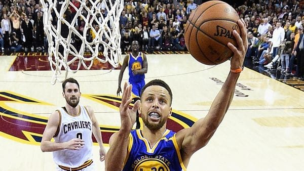 Stephen Curry volvió a ser clave para conseguir el título (Getty Images)