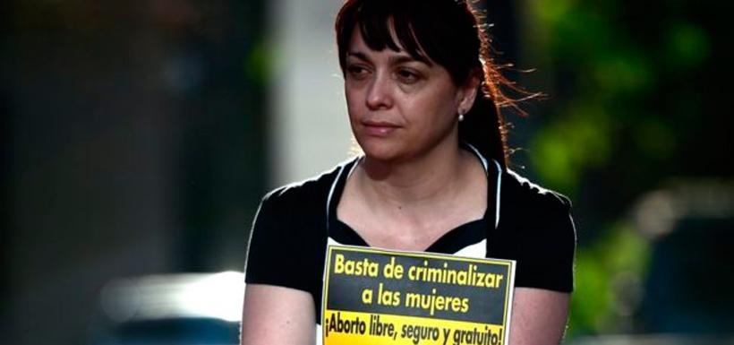 Por años, grupos de activistas a favor de legalizar el aborto han protestado en Chile. Foto: Getty Images