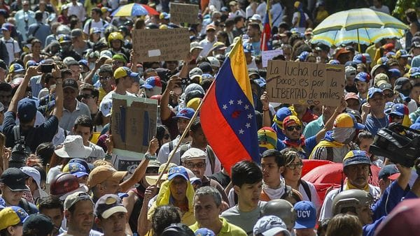 Los venezolanos realizarán asambleas en todo el país (AFP)