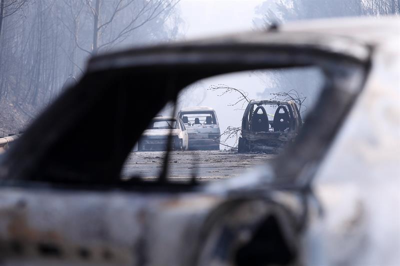 La mayoria de las víctimas fueron encontradas carbonizadas en sus carros (Foto EFE)