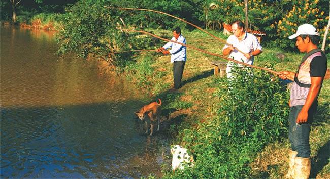 Resultado de imagen de Denuncian pesca ilegal por gente de Santa Cruz en municipio del Beni