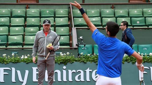 Boris Becker trabajó como entrenador del tenista serbio Novak Djokovic (AFP)