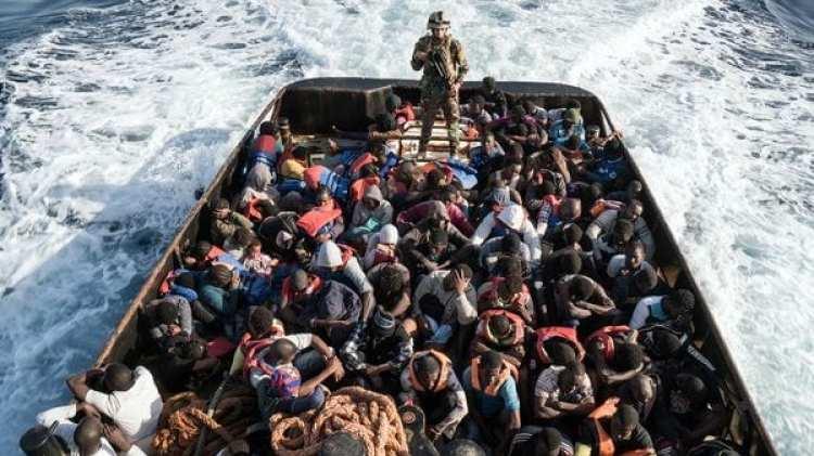 Más de 10.000 personas fueron rescatadas en el Mediterráneo en los últimos días. Todas ellas fueron trasladadas a puertos italianos (AFP)