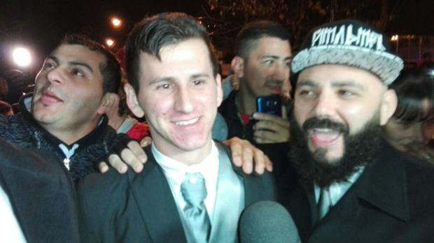 El doble de Messi revolucionó al barrio Las Flores