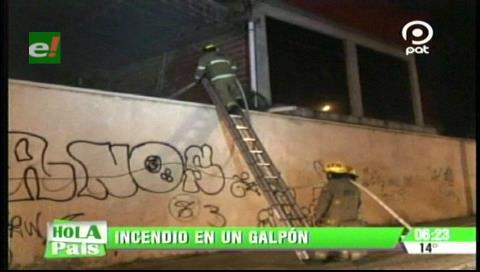 Santa Cruz: Galpón con madera se incendió en la avenida Cristo Redentor