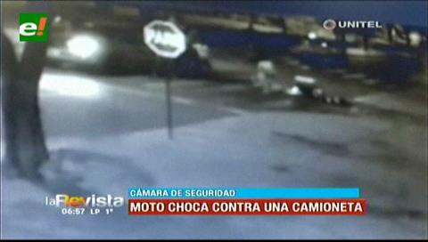 Camioneta que iba en contra ruta choca contra un motociclista