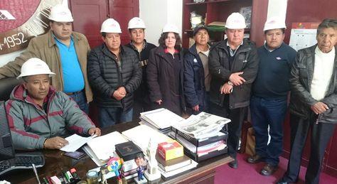 Los trabajadores petroleros en conferencia de prensa