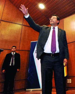 Luis Arce, el profesor de economía de Evo Morales