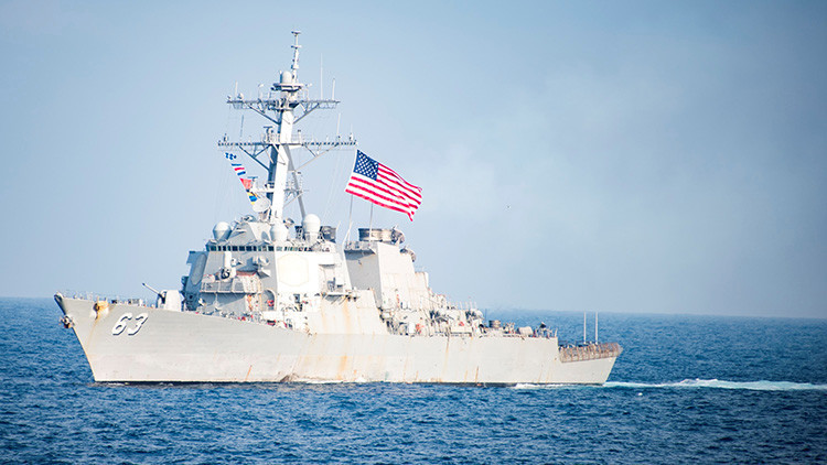 China envía destructores y cazas para advertir a un buque de EE.UU. en las aguas en disputa