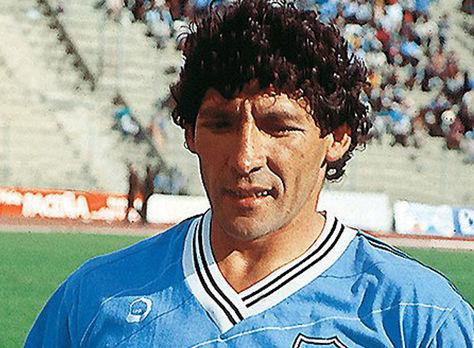 Carlos Fernando Borja antes de un partido de Bolívar en los años 90. Foto: Pasión Fútbol