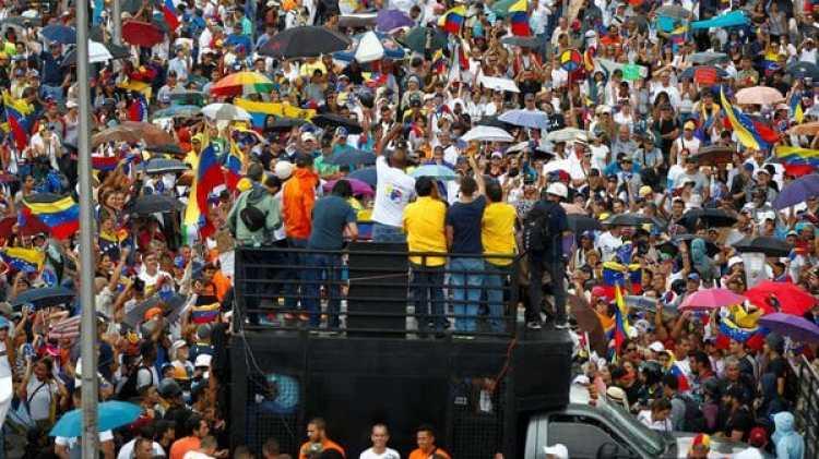 El domingo su cumplieron 100 días de protestas contra el régimen