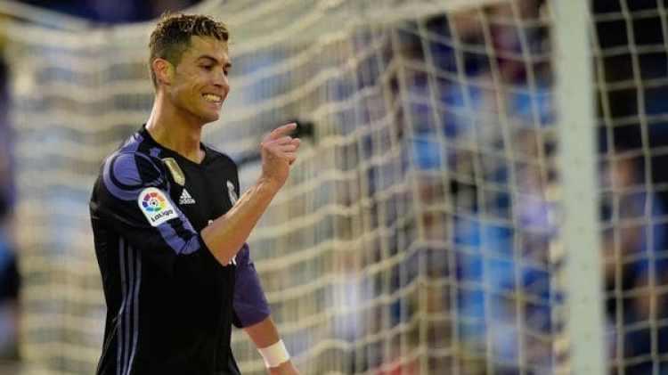 Desde el entorno de Cristiano Ronaldo se había planteado una posible salida del Real Madrid (AFP)