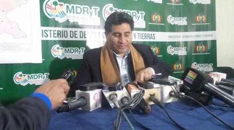 El ministro Cocarico en la conferencia de prensa que dictó la tarde este miércoles.