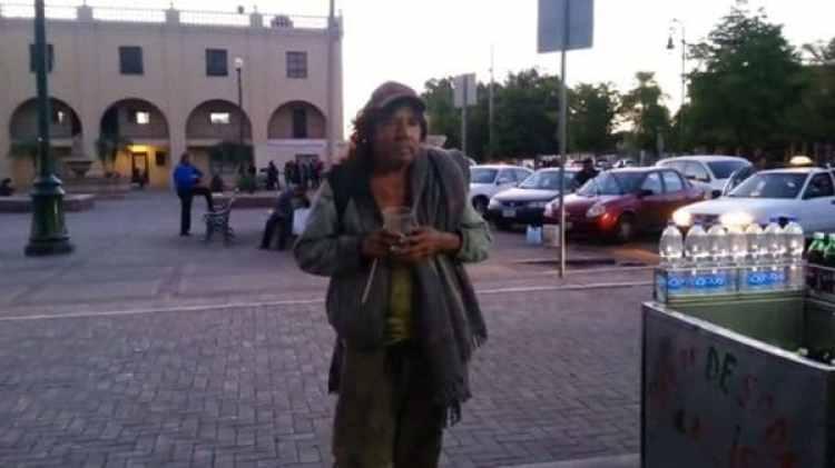 """Parte del """"problema"""" es que las personas sin casa se dispersaron por la ciudad (Foto: YouTube/Captura)"""