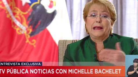 La presidenta de Chile, Michelle Bachelet, en una entrevista con Televisión Pública de Argentina