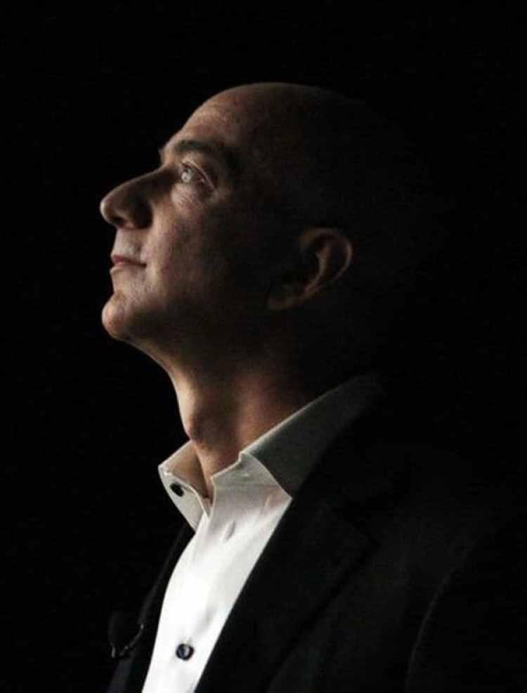 Por unas horas, Jeff Bezos fue el hombre más rico del mundo