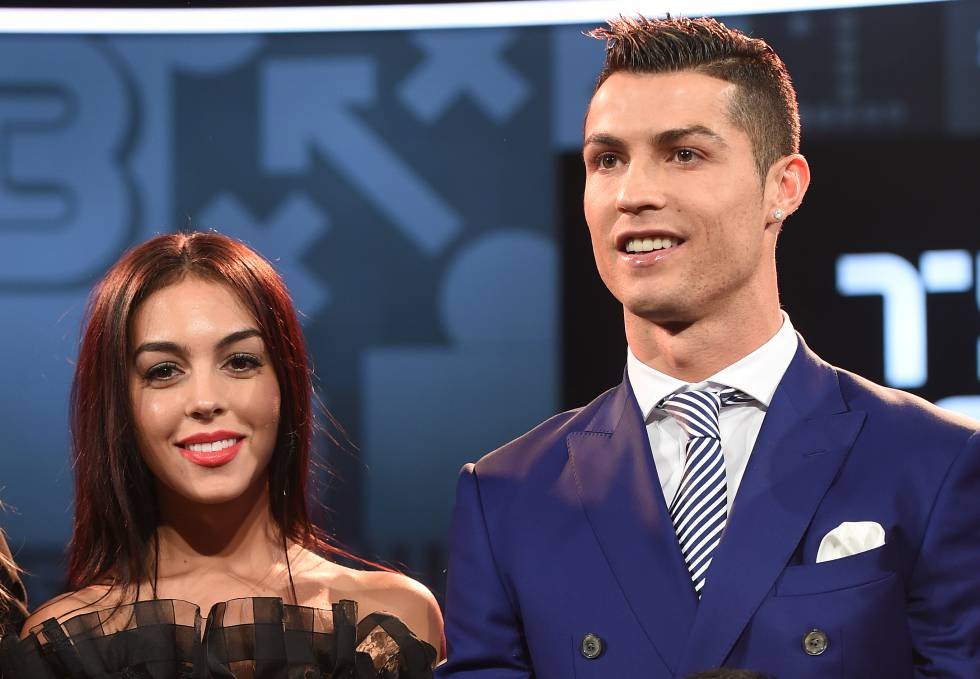 Georgina Rodríguez y Cristiano Ronaldo, en su primera alfombra roja como pareja el pasado mes de enero.