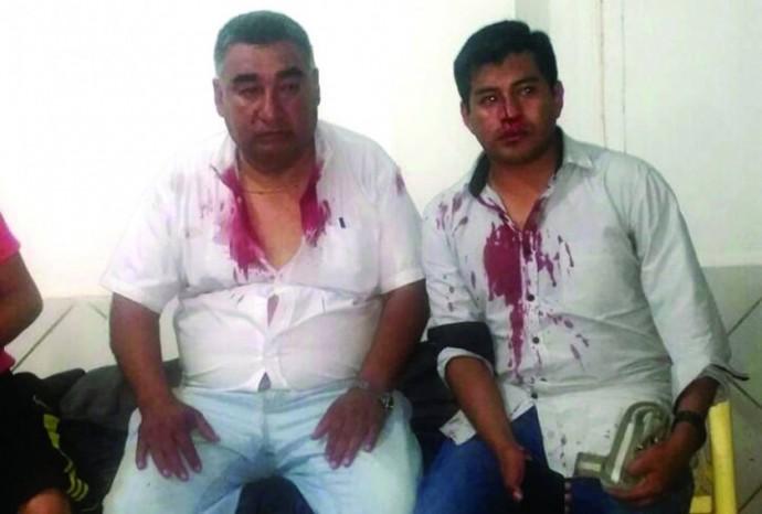 PUGNA. El rector de San Francisco Xavier resultó con heridas al igual que estudiantes.