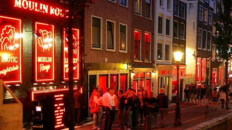 El barrio rojo de Amsterdam (istock)