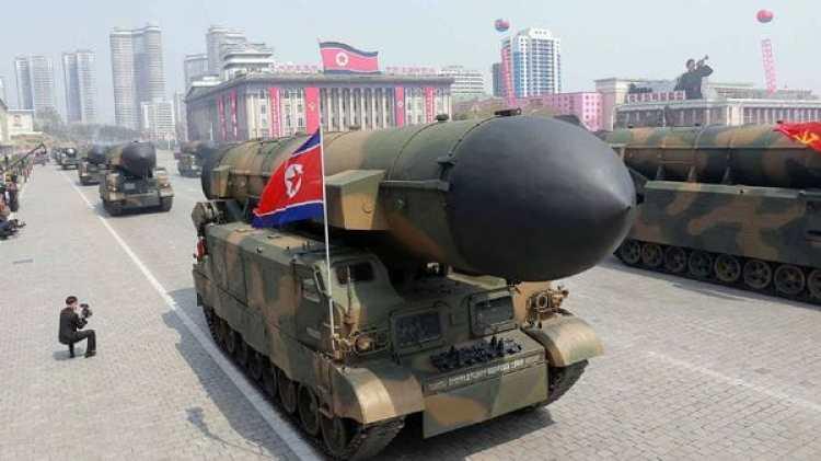 Misil de Corea del Norte exhibido durante desfile militar.