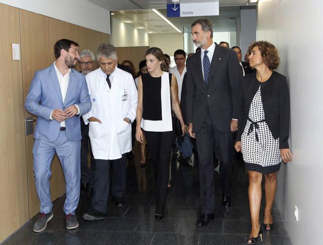 Álbum: visita de los Reyes al Hospital del Mar. (EFE)