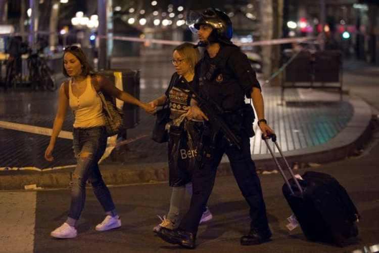 El atentado dejó 13 muertos y 120 heridos (REUTERS)